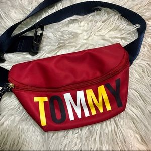 Tommy Hilfiger- Red TOMMY Crossbody Fanny Pack